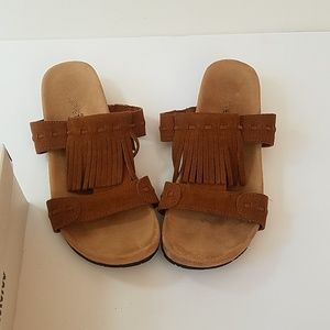 MINNETONKA  size 8  sandals EUC Leather Brown